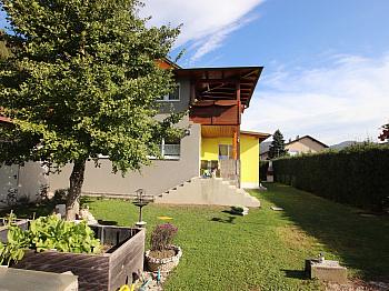 Garage Zweifamilienwohnhaus überdachter - Schönes saniertes 230m² Wohnhaus in Krobathen