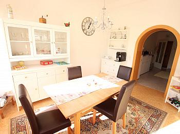 Einfahrtstor Westterrasse Obergeschoss - Schönes saniertes 230m² Wohnhaus in Krobathen