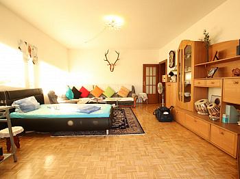 großes Fenster Super - 3 Zi Wohnung 104m² mit Carport in Waidmannsdorf