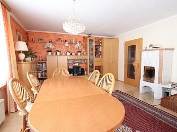 Elternschlafzimmer Tischlertreppe Einfahrtstor - Saniertes tolles 105m² Einfamilienhaus in Viktring