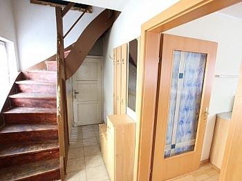 Schlafzimmer Holzfenster Grundsteuer - Teilsaniertes Wohnhaus Klagenfurt/Wölfnitz Ponfeld
