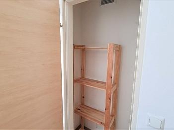 teilsanierte Bruttomieten Schlafzimmer - Sanierte helle 2 Zi-Whg. sehr guter Lage Welzenegg