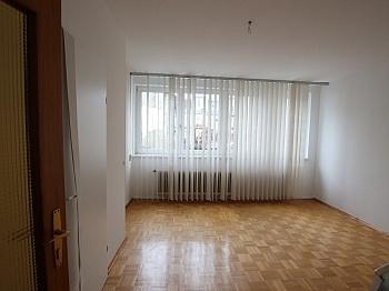 Innenstadt sonnigem schönes - 2 ZI Wohnung - Provisionsfrei für den Mieter