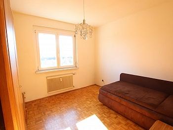 Wohnzimmer Wohnküche möblierte - 3-Zimmer Wohnung in der Stadt