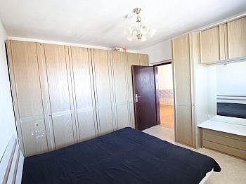 Abstellraum übernommen Geräumige - 3-Zimmer Wohnung in der Stadt