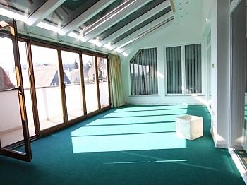Einbauküche Kellerabteil Abstellraum - Tolle sonnige 150m² Penthousewohnung in Klagenfurt