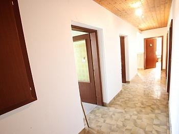 Laminat flaches Küchen - 250m² Wohnhaus in St. Thomas - Magdalensberg