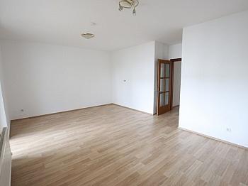 Bruttomieten Parkplätze Wohnzimmer - Schöne 4 Zi - Wohnung/98m² UNI - Nähe