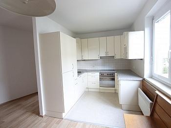 Wohnküche möblierte Badewanne - Schöne 4 Zi - Wohnung/98m² UNI - Nähe