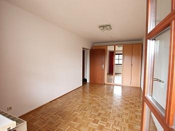 Bindung Schulen Vorraum - Schöne 2 Zi - Wohnung in Waidmannsdorf