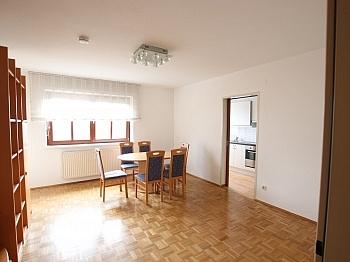 Wohnzimmer Badewanne Bestehend - Schöne 2 Zi - Wohnung in Waidmannsdorf
