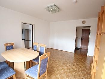 Bruttomieten Kellerabteil Schlafzimmer - Schöne 2 Zi - Wohnung in Waidmannsdorf