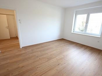 dazugemietet Vinylböden Esszimmer - Schöne sanierte 3 Zi Stadtwohnung mit Loggia