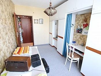 Sonnige Vorraum großes - 3 Zi Wohnung 75,00m² mit Südoggia - Rilkestrassse