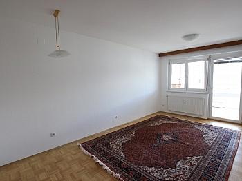 Waffenschmiedgasse Tiefgaragenplatz Einkaufsmärkte - 2 ZI - Wohnung in Waidmannsdorf all inklusive