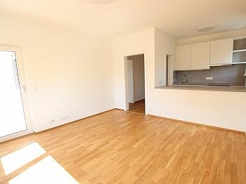 neue Zimmer Handtuchtrockner - Top sanierte 2 Zimmer Whg. mit Loggia-Welzenegg