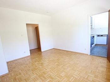 Garderobe bestehend Betriebs - Schöne 2 Zi - Wohnung in St. Martin in UNI Nähe