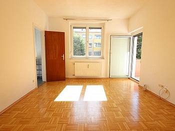 Schlafzimmer Abstellraum Fernwärme - Schöne 2 Zi - Wohnung in St. Martin in UNI Nähe