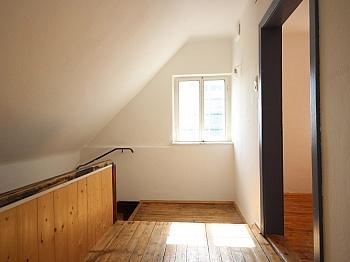 Dielenboden Autominuten vorbehalten - Saniertes Wohnhaus in idyllischer Traumlage