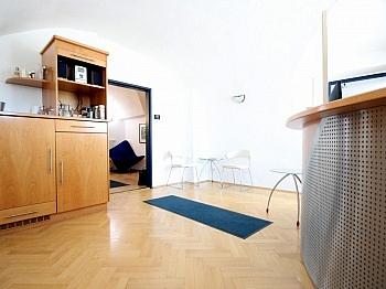verbraucherorientiert Garderobenbereich Eingangbereich - Schönes Büro/Ordination in Zentrumslage/Klagenfurt