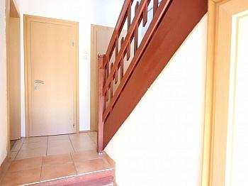 Zimmer Einfamilienwohnhaus Handwerkerfamilie - Älteres Wohnhaus 90,00m² in Klagenfurt