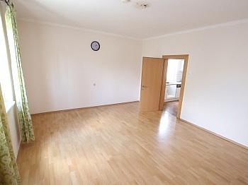 Bruttomiete aufgeteilt vermieten - Älteres Wohnhaus 90,00m² in Klagenfurt