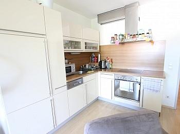 Eckwohnung Ostseitig Badewanne - Neuwertige 3 Zi Wohnung mit Balkon - Waidmannsdorf