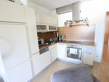 Flächenangaben Lärchendielen Fliesenböden - Neuwertige 3 Zi Wohnung mit Balkon - Waidmannsdorf