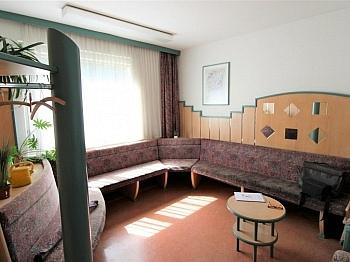 incl Raum Radl - Ehemalige Praxis Mozartstrasse sanierunsbedürftig