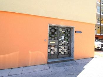 - Ehemalige Praxis Mozartstrasse sanierunsbedürftig