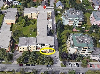 Zimmer Stiegenhaus Abstellraum - Ehemalige Praxis Mozartstrasse sanierunsbedürftig