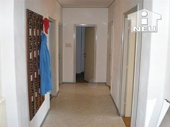 Südlage Vorraum saniert - Günstige 100m² Wohnung - Heinzgasse € 80.000,--