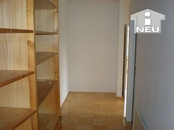 Abstellraum Südloggia Wohnzimmer - Schöne helle 3 Zi Wohnung in der Rilkestrasse