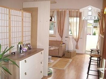 Schlafzimmer Westloggia Wohnung - TOP sanierte 2 Zi Wohnung in Viktring