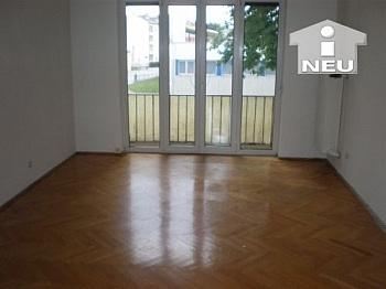 neue Küche Schlafzimmer - 3 Zi Stadtwohnung - Lastenstrasse