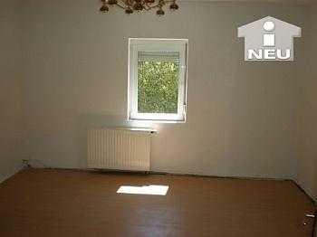 Wohnküche Warmwasser Dachboden - Singlewohnhaus 55m² Wfl. in Feschnig