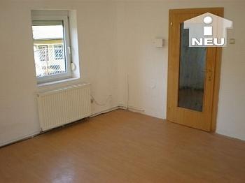 Leitungen saniertes Dachboden - Singlewohnhaus 55m² Wfl. in Feschnig