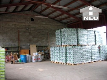 ausreichende Nutzfläche Grundstück - Lagerhalle mit Wohnung - Feldkirchen