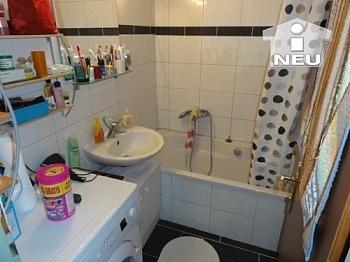 Wohnzimmer Wohnanlage sanierte - Helle schöne 2 Zi Wohnung in der Heinrich-Heine-Gasse