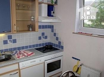 Küche Südbalkon Vorraum - Schöne 3 Zi Wohnung 75m² plus Balkon - Seegasse