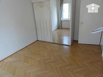 Schlafzimmer Stadtwohnung Stellpätze - Schöne 2 Zi Stadtwohnung - Karawankenzeile