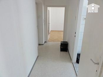 deckenhoch Verwaltung Kochnische - Schöne 2 Zi Stadtwohnung - Karawankenzeile