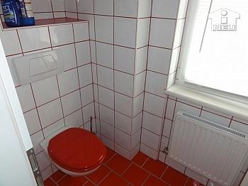 Parkett Heizung Fassade - Liebevoll saniertes kleines Wohnhaus am Bach in Liebenfels