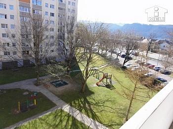Fliesenböden Küchennische Schlafzimmer - Schöne Garconniere 31m² in St. Peter - Klagenfurt