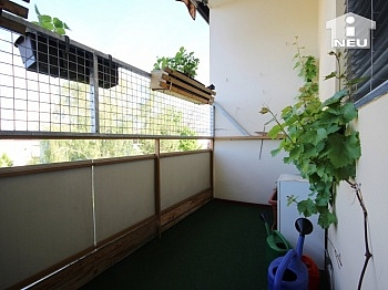 inkludiert Fernwärme Badezimmer - 4-Zi-Wohnung in der Anzengruberstrasse