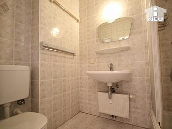 Kochnische verfließt verglaster - Neuwertige Garconniere 43 m² - in Viktring