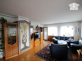 Vollmöbliert Stellplätze Schlafzimmer - 1 A Zustand!! Traumhaftes Wohnhaus mit Pool und Pool-Haus Nähe Klagenfurt