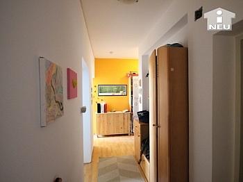 Vollwärmeschutz großzügiger Fliesenböden - Helle 3-Zi-Wohnung in zentraler Lage