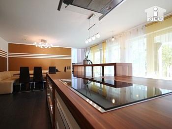 Obergeschoss Grundstück überdachte - Neues, modernes Niedrigenergiehaus Nähe Feldkirchen