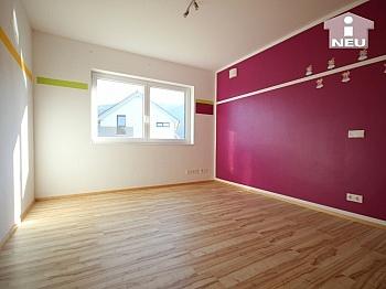 genügend Garderobe Esszimmer - Neues, modernes Niedrigenergiehaus Nähe Feldkirchen
